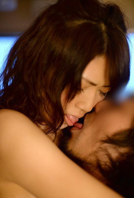 ベロキス画像 夢中で舌を絡め合う愛の交歓110枚の059枚目