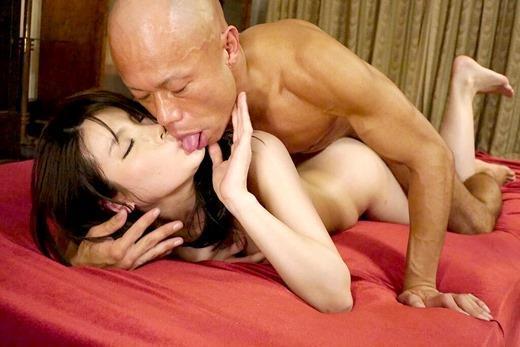 ベロキス画像 夢中で舌を絡め合う愛の交歓110枚の094枚目