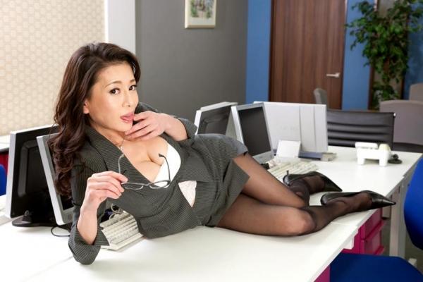 北島玲 妖艶な美痴女 好色女上司の淫らな誘惑エロ画像45枚のa005枚目
