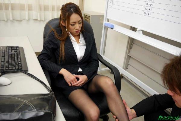 OLエロ画像 美人痴女上司とオフィスで二人きり 北山かんな30枚の010枚目