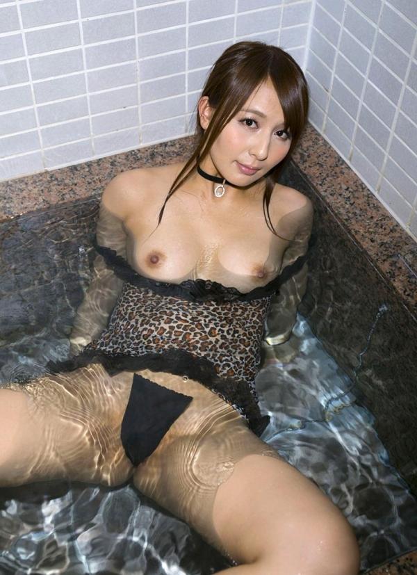 希崎ジェシカ 妖艶なクォーター美女入浴画像50枚の020枚目