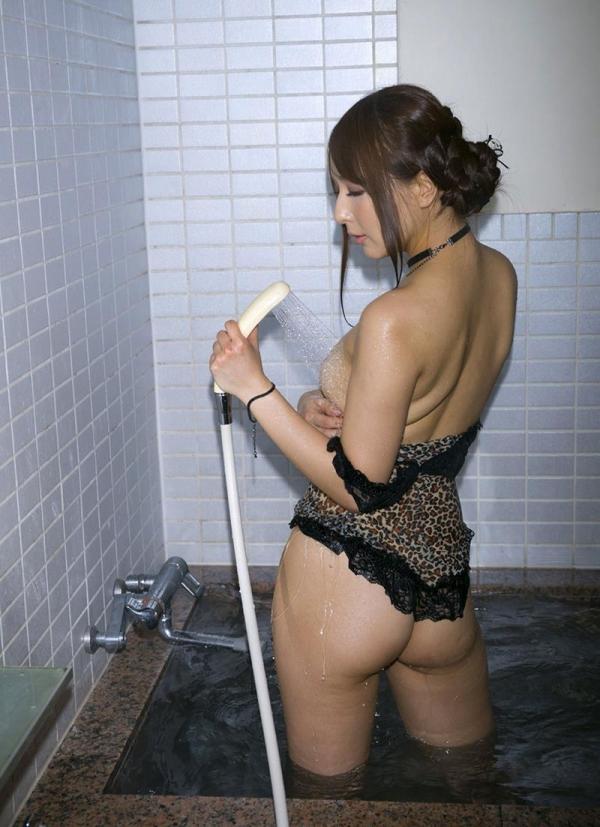 希崎ジェシカ 妖艶なクォーター美女入浴画像50枚の023枚目