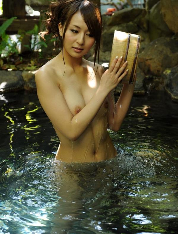 希崎ジェシカ 妖艶なクォーター美女入浴画像50枚の047枚目