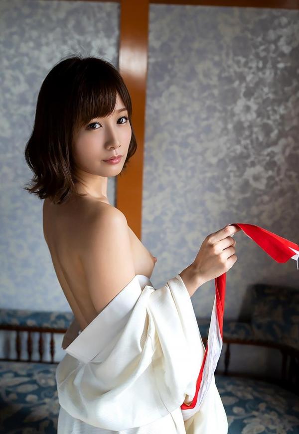 小島みなみ かわいい顔して剛毛な美女のヌード画像110枚の060枚目