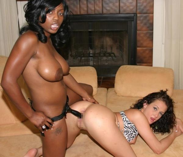 黒人女性のヌード 美しく黒光りする裸の女60枚の057枚目