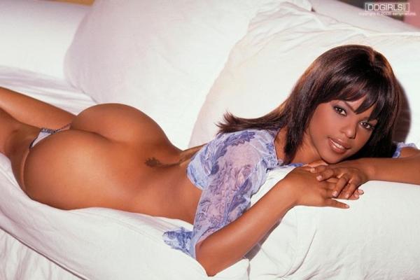 黒人女性のヌード 美しく黒光りする裸の女60枚の059枚目