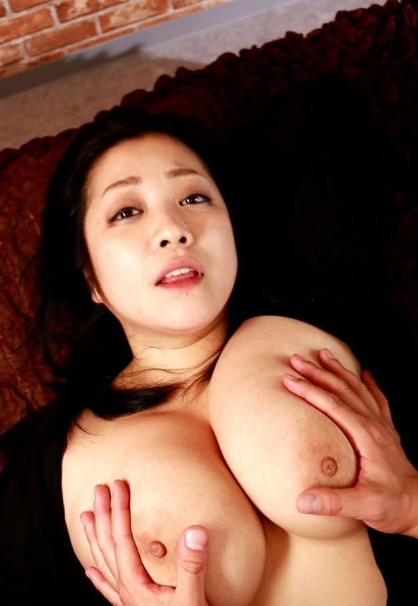 スライム乳画像 小向美奈子の驚異の垂れ乳30枚の2