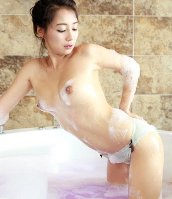 不自然に美しい韓国人モデル!外国人ヌード画像40枚の38枚目