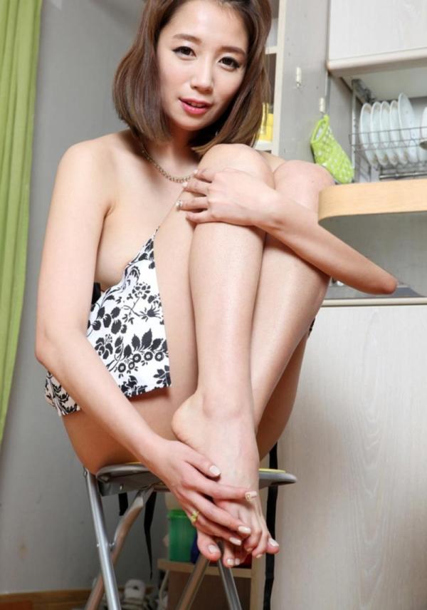 昭和のエロ本の様な韓国人モデルのヌード画像50枚の28枚目