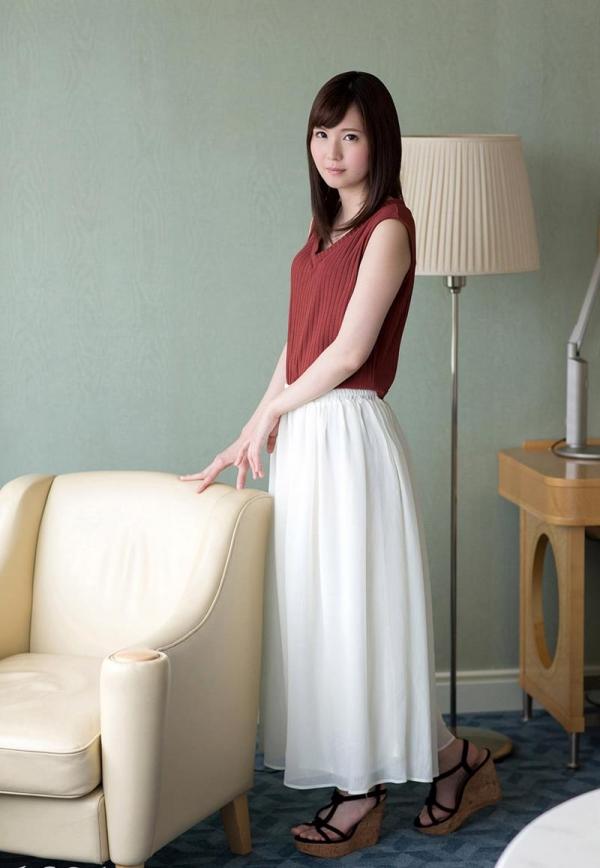 小谷みのり 高身長の色白微乳娘 エロ画像100枚の055枚目