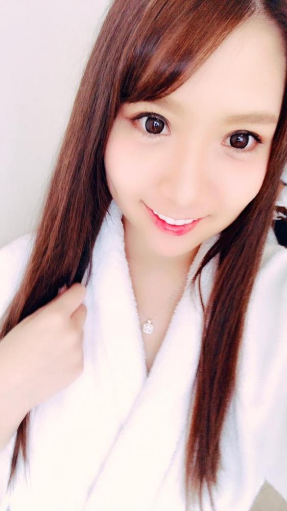香坂紗梨 爆乳ロケットおっぱい美少女エロ画像62枚の006枚目