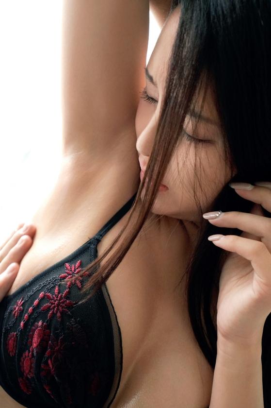 黒宮えいみ(綾瀬唯香)スタイル抜群の綺麗なお姉さんエロ画像73枚のc008枚目