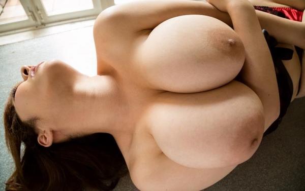 巨乳画像 美エロなデカパイ美女のからだ150枚の109枚目