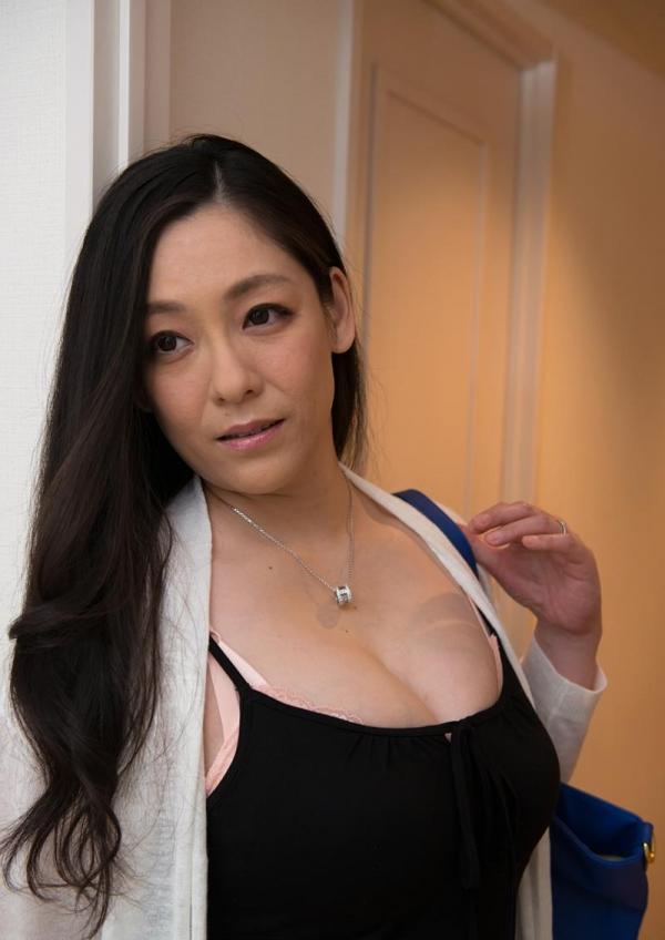 熟女のセックス画像 巨乳むっちり淫らな奥様80枚の051枚目