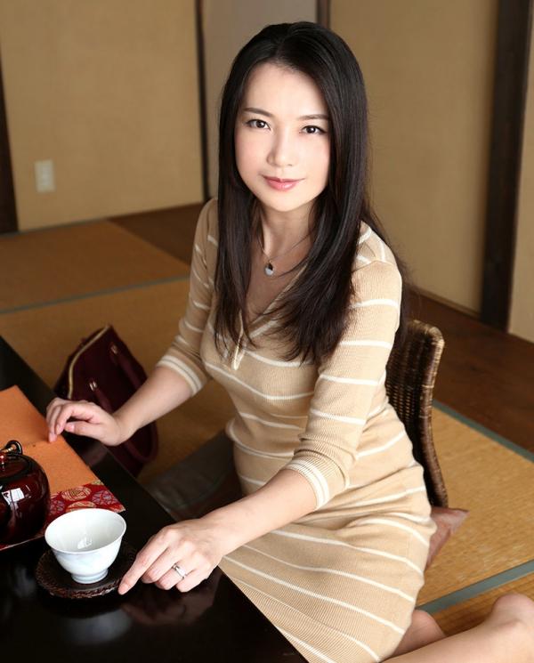 四十路美熟女 京野美麗(渡部涼子)不倫旅行のエロ画像55枚の003枚目