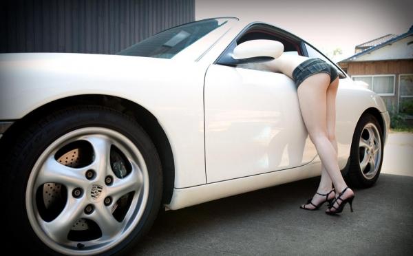 車とヌード画像 美女と自動車130枚の017枚目