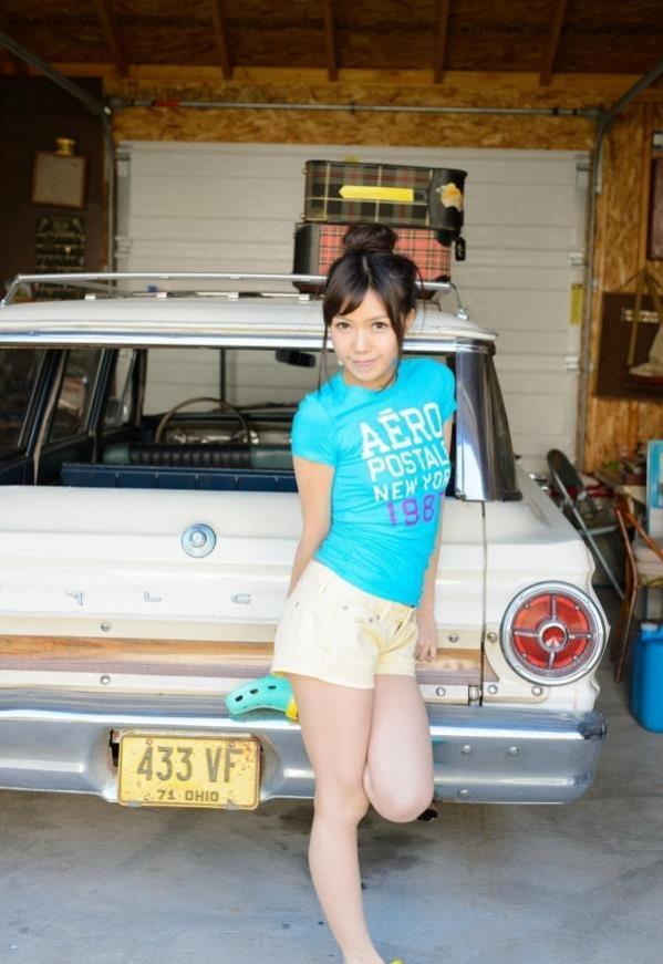 車とヌード画像 美女と自動車130枚の027枚目