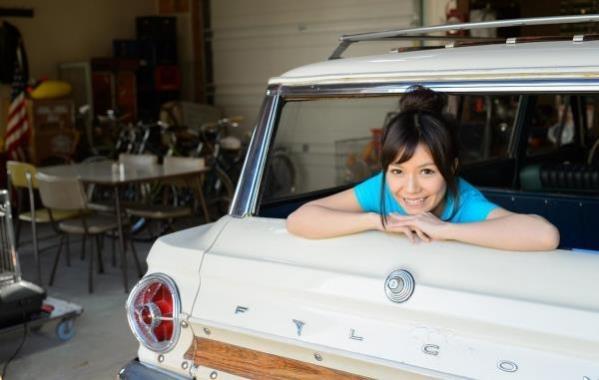 車とヌード画像 美女と自動車130枚の028枚目