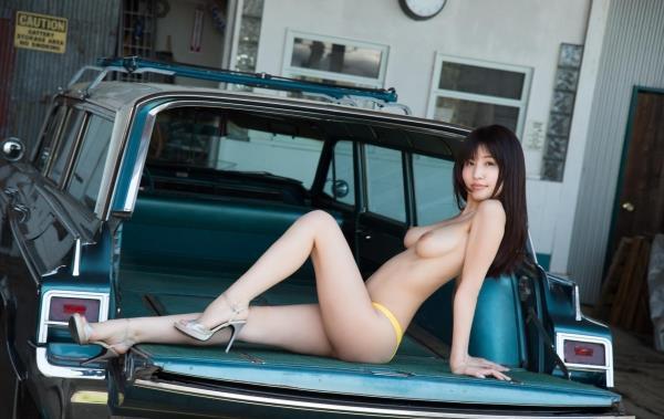 車とヌード画像 美女と自動車130枚の088枚目