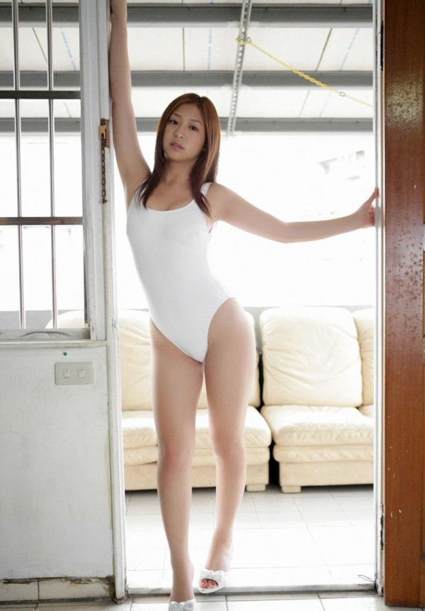 レオタードを着たスレンダー美女のエロ画像50枚の029枚目
