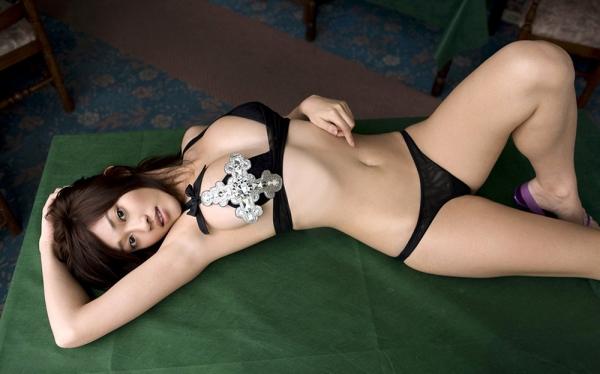 ハダカよりエッチな下着姿の美女のエロ画像120枚の049番