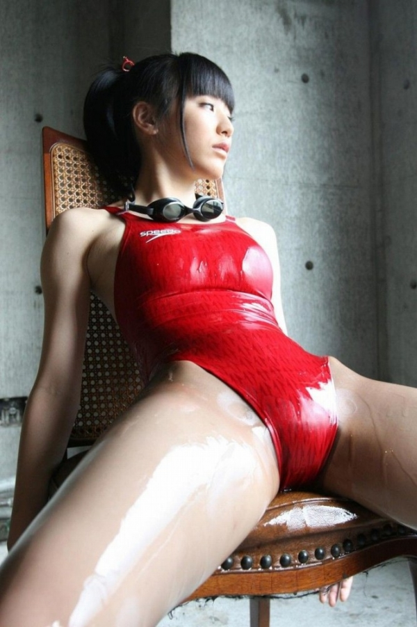 裸で密着したいローションまみれで全身ヌルヌルな女の画像50枚の18枚目