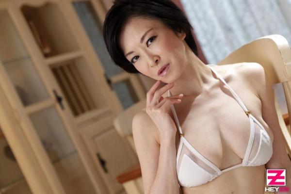 町村小夜子 46歳 美巨乳熟女を好き放題 エロ画像21枚の04枚目