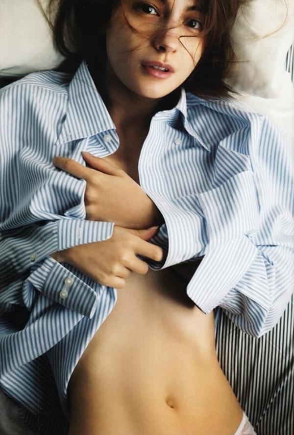 マギー(奈月マーガレット)手ブラや入浴セミヌード画像90枚の13枚目