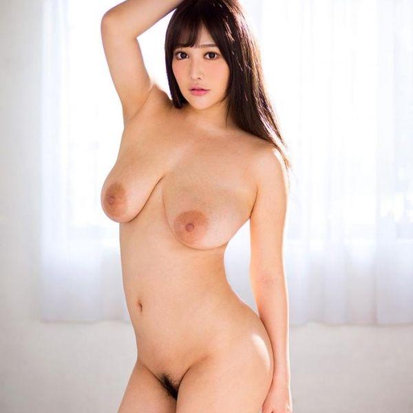 垂れた巨乳がエロ過ぎる益坂美亜(ますざかみあ)エロ画像50枚の1