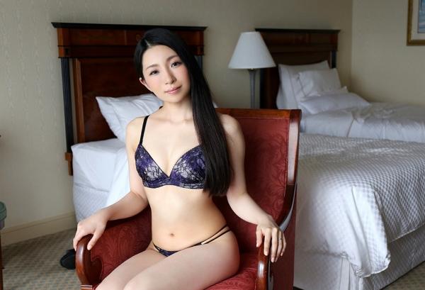 松うらら(南律子)清潔感溢れる美人妻のエロ画像65枚のa08枚目