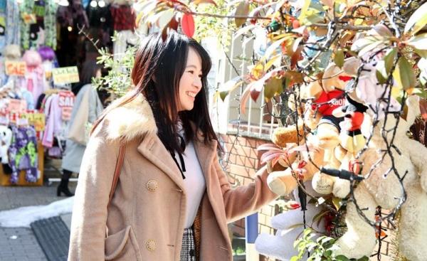 松田真奈 黒髪色白のF乳美少女セックス画像90枚の004枚目