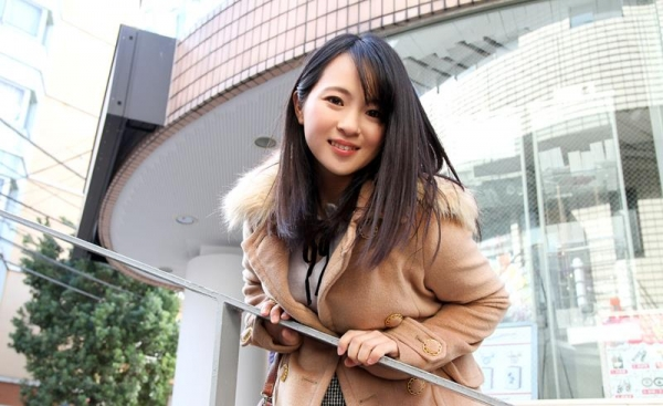 松田真奈 黒髪色白のF乳美少女セックス画像90枚の005枚目