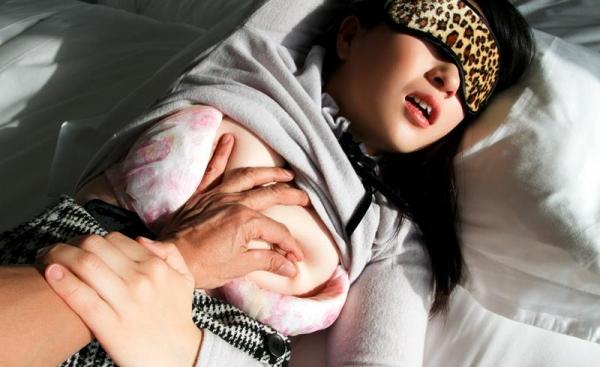 松田真奈 黒髪色白のF乳美少女セックス画像90枚の036枚目