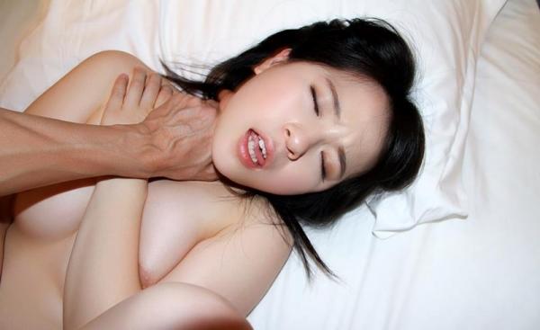 松田真奈 黒髪色白のF乳美少女セックス画像90枚の073枚目
