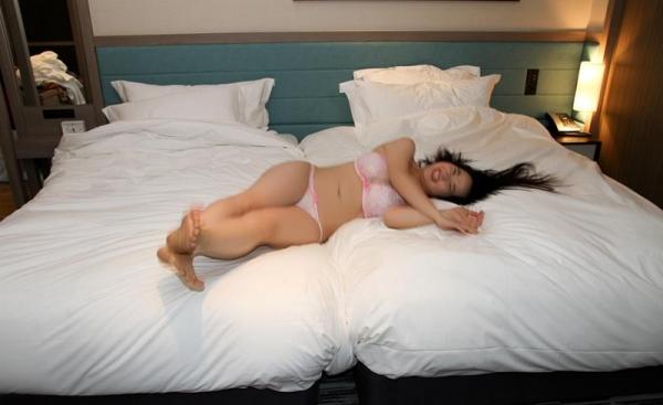 松田真奈 黒髪色白のF乳美少女セックス画像90枚の090枚目