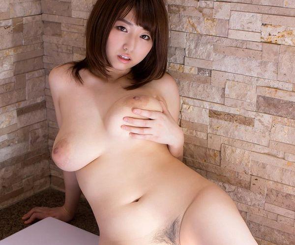 松本菜奈実 爆乳をブルンブルンさせてる濃密セックス画像47枚の1