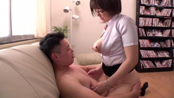 松本菜奈実 M男くんの乳首をイジメる小悪魔痴女エロ画像56枚のc10枚目