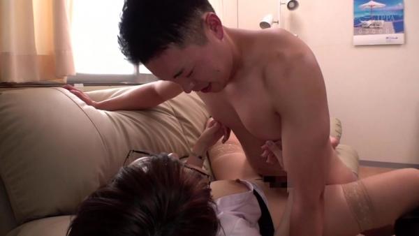松本菜奈実 M男くんの乳首をイジメる小悪魔痴女エロ画像56枚のc12枚目