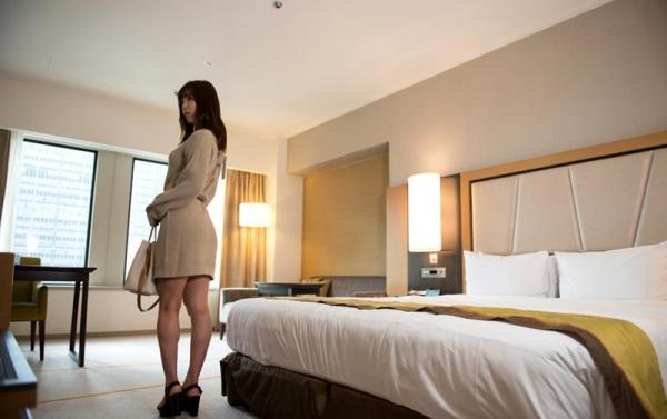松下美織 高身長スレンダー巨乳美女エロ画像97枚の14枚目