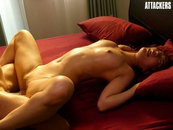 松下美織 高身長で巨乳美尻のスリム美女エロ画像56枚のb11枚目