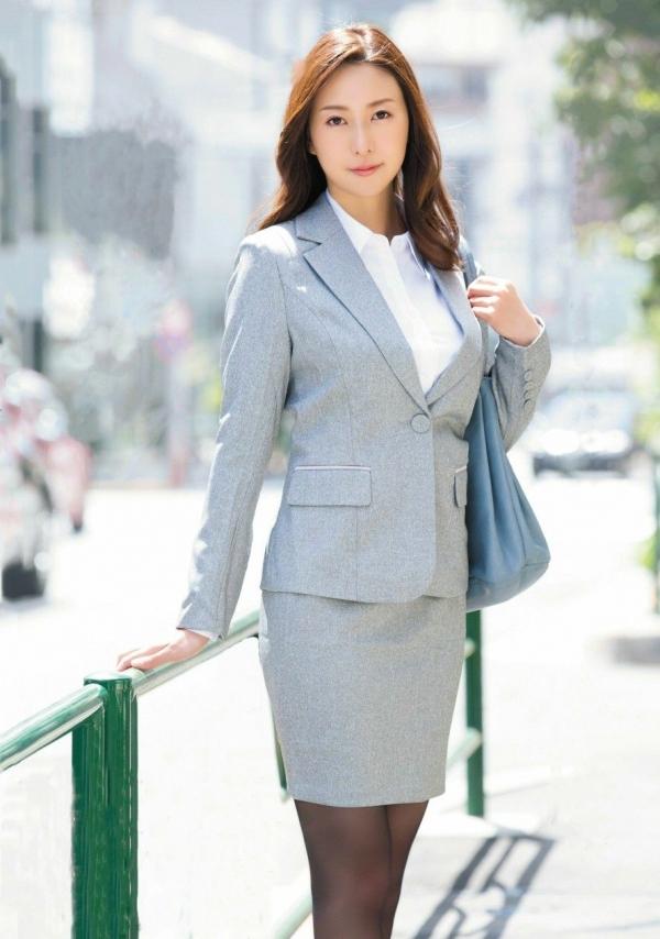 松下紗栄子 中高年に絶大な人気を誇る美熟女エロ画像42枚のa003枚目