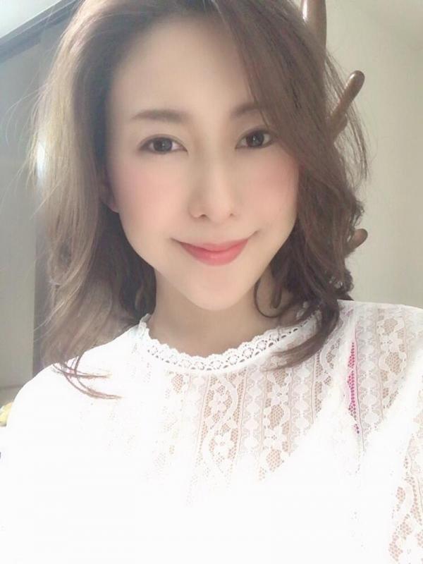 松下紗栄子(まつしたさえこ)元CAの巨乳美女エロ画像57枚のa03枚目