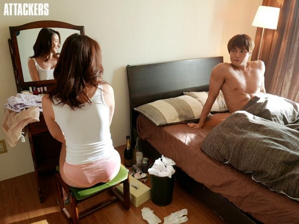 松下紗栄子(まつしたさえこ)元CAの巨乳美女エロ画像57枚のb05枚目