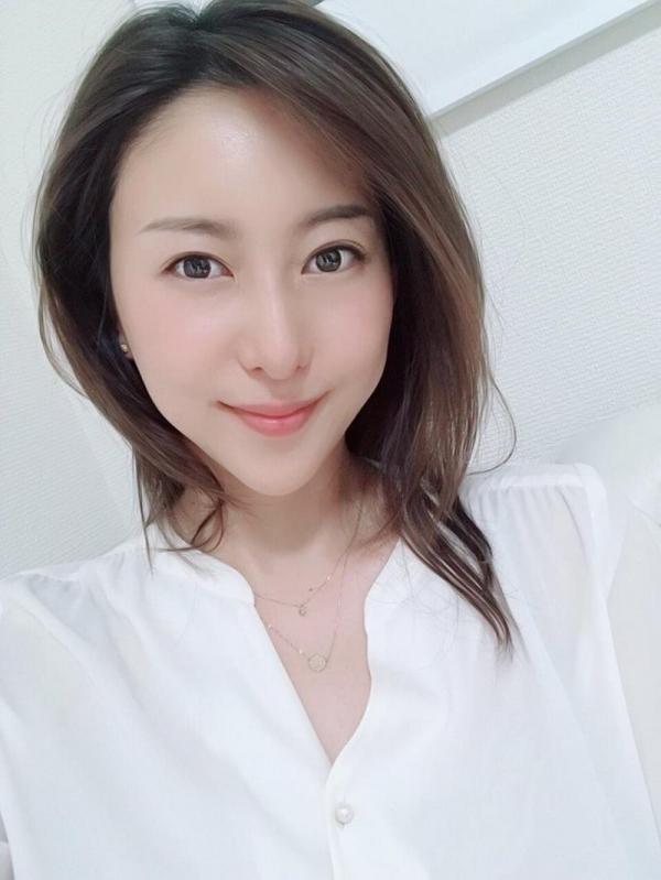 中高年に絶大な人気の松下紗栄子が久しぶりに新作発売エロ画像48枚のa05枚目