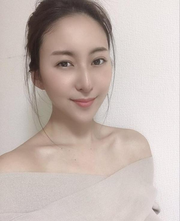 中高年に絶大な人気の松下紗栄子が久しぶりに新作発売エロ画像48枚のa08枚目