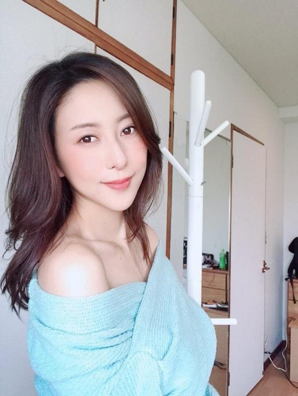 中高年に絶大な人気の松下紗栄子が久しぶりに新作発売エロ画像48枚のa10枚目