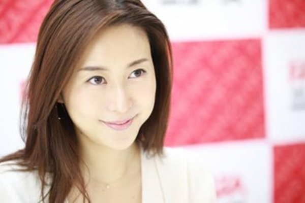 中高年に絶大な人気の松下紗栄子が久しぶりに新作発売エロ画像48枚のa13枚目