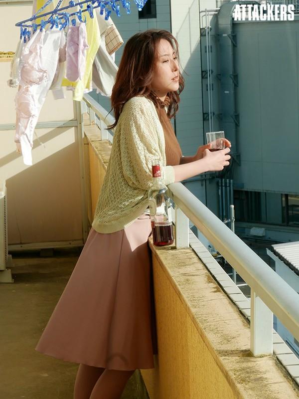 中高年に絶大な人気の松下紗栄子が久しぶりに新作発売エロ画像48枚のc03枚目