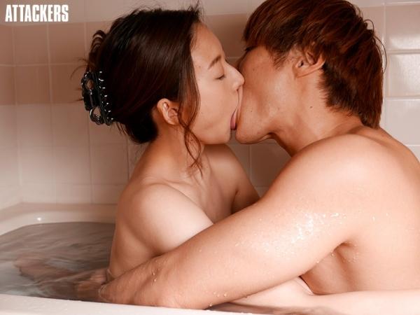 中高年に絶大な人気の松下紗栄子が久しぶりに新作発売エロ画像48枚のc07枚目