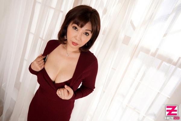 四十路熟女 美原咲子 巨乳人妻のイケナイ情事エロ画像43枚のa003枚目